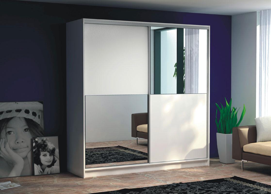 Šatníková skriňa s posuvnými dverami HEROES. Elegantné biele prevedenie so zrkadlovými časťami. Vo vnútri skrine sú umiestnené police v jednej polovici a v druhej sa nachádza vešiaková tyč. Je vyrobená z LTD. Systém posúvnych dverí s hliníkovou lištou, kovanie Sevroll. Rozmer (v/š/h) 215 x 203 x 61 cm. Dodávame v demonte. Skriňa HEROES je ideálne riešenie do moderných domácností. Na výber aj ďalšie zaujímavé šatníkové skrine. Cena: 338.5000 EUR